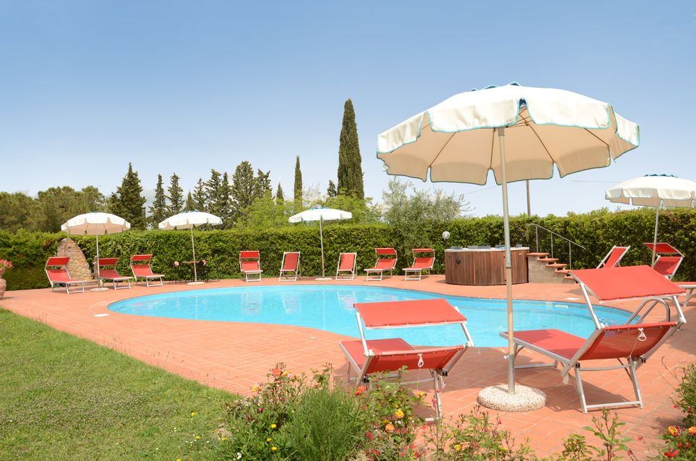 Holiday in Tuscany with private pool